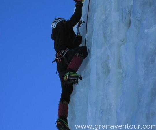 Actividades_escalada_hielo_01